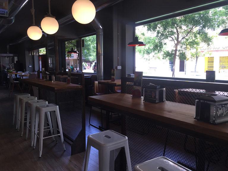 La Cava Actur - mobiliario bar