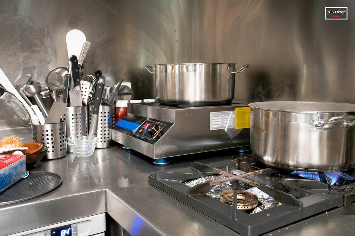 cocina a medida en acero
