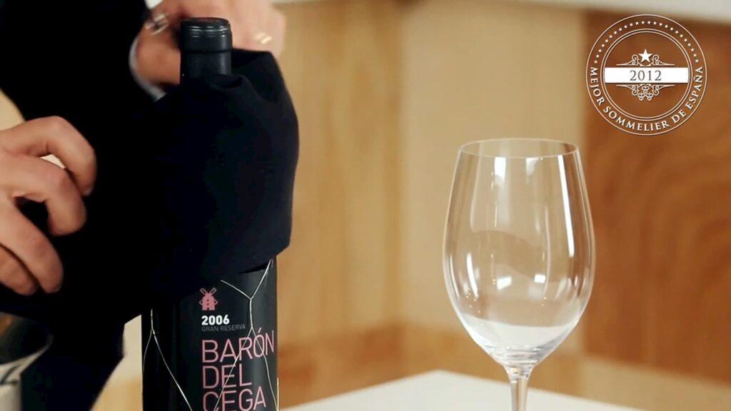 abrir una botella de vino 6