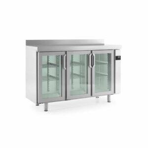 mesa de acero inoxidable frente con refrigeración